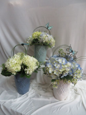 Mother's Garden Hydrangea's Fresh Vased Hydrangea Arrangement in Farmville, VA | CARTERS FLOWER SHOP