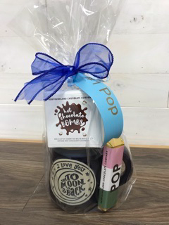 Mug & Hot Chocolate bomb & pop bar Love you to the moon and back mug