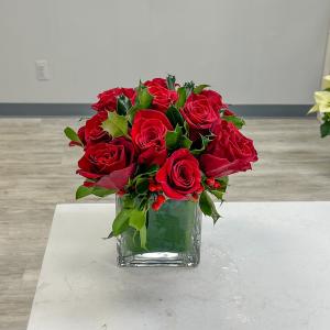Natale Vase Arrangement in Middletown, NJ | Fine Flowers