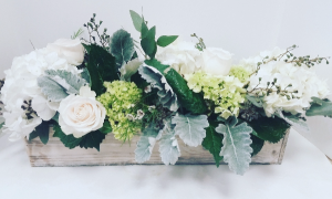 Natural Elegance box in Northport, NY | Hengstenberg's Florist