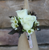 Natural Spray Rose  Boutonniere