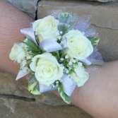 Natural Spray Rose Wrist Corsage