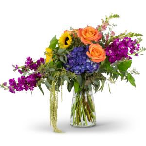 Naturally Prismatic Vase Arrangement in Kirtland, OH | Kirtland Flower Barn