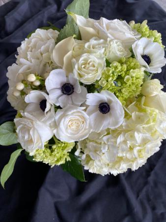 Neutral Classic White Flower Arrangement