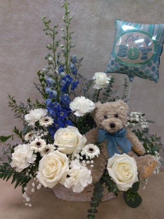 New Baby basket w Bear & Balloon Basket