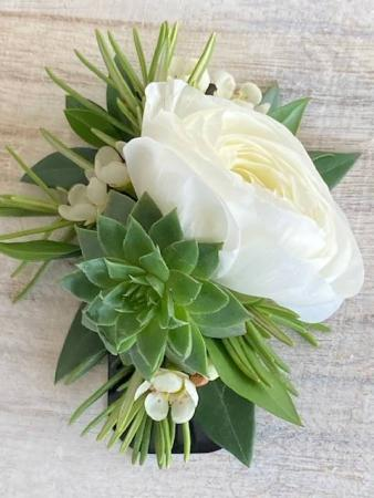 No Pin Ranunculus & Succulent Boutonniere