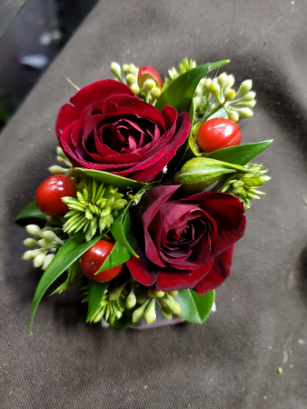 No Pin Red Rose Boutonniere