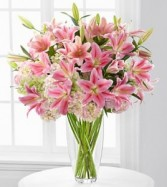 Intrigue Luxury Lily & Hydrangea Bouquet 22 Stems Lavish Luxury Collection