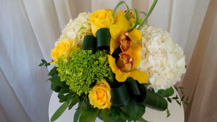 Oh Happy Day Vase arrangement