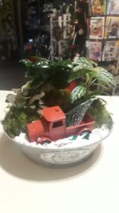 Ol' Fashioned Xmas Truck dish garden