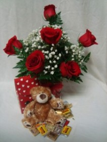 """HUG ME TENDER BOUQUET"" 6 Red Roses arranged in a  vase with baby's breath, small bear and small box of chocolates!!"