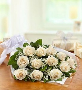 One Dozen White Roses Presentation Bouquet