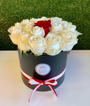 One on Million Roses Box