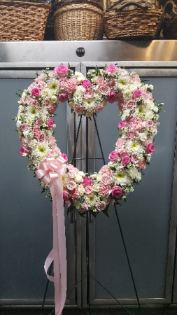 Floral Heart Tribute $275.95 $300.95