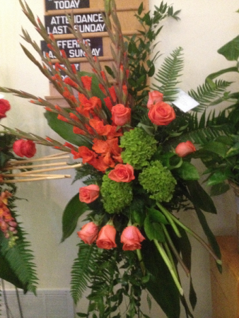 ORANGE ROSE, ORANGE GLADIOLA, GREEN HYDRANGEA SYMPATHY EASEL SPRAY