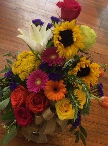 Oregon Summer Floral  Vase arrangement one sided