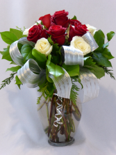 PARAMOUNT CLASSICS OF LOVE - BEST PREMIUM ROSES  Roses, Add Gifts, Chocolates,Teddy Bears or Wine to Order.