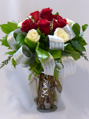 PARAMOUNT CLASSICS OF LOVE  Roses, Gifts. Add Chocolates, Teddy Bears or Wine to Order. in Prince George, BC | AMAPOLA BLOSSOMS FLOWERS