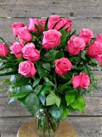 Passionate Pinks vase
