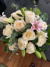 Peaceful and white Low cylinder vase arrangement