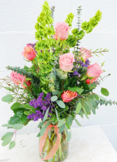 Peaceful & Peach Roses Floral Bouquet
