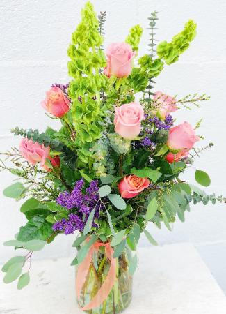 Peaceful & Peach Roses Floral Bouquet