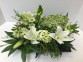 Peaceful low centerpiece arrangement