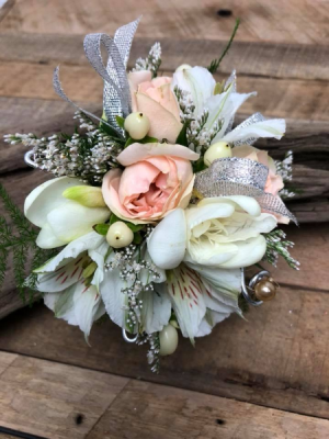 Peach and White Corsage in North Bend, OR | PETAL TO THE METAL FLOWERS