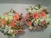 Peach & Cream  Bridesmaids Bouquets
