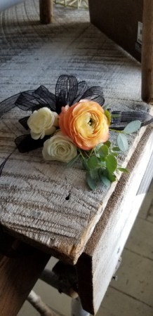 Peaches and Cream Wrist Corsage  in Helena, AL | The Petal Cart