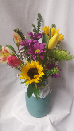 """""""Pearls & Lace"""" Bouquet...cute mason jar  with Seasonal bright flowers arranged!(Color of mason jar may vary)"""