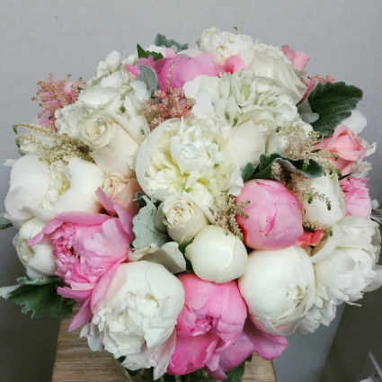 PEONIE AND ROSE BQT