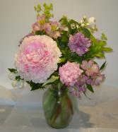 CELEBRATING PEONIES Vase Arramgent