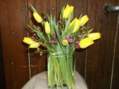 PERFECT LOVE TULIP BOUQUET VASE ARRANGEMENT