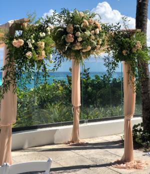 Pergola  in Palm Beach, FL | FLOWERS OF WORTH AVENUE
