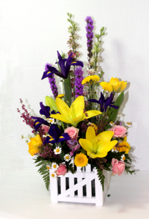 Picket Fence Bouquet  in Penn Yan, NY | Garden of Life Flowers