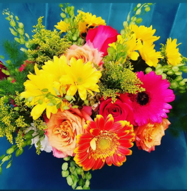 Picking Wildflowers vase arrangement