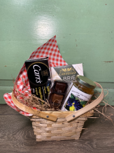 Picnic Basket Gourmet Items