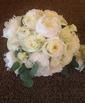 Picturesque Pearls Bouquet in Ozone Park, NY | Heavenly Florist