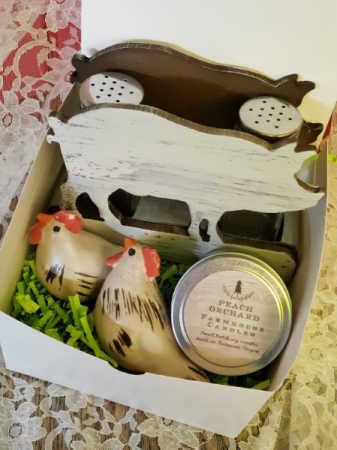 Pigs & Chickens Gift Box