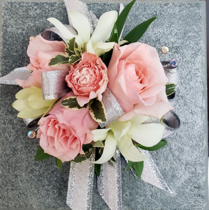 PINK BLOOMS Corsage