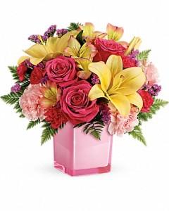 Pink Bouquet Fresh Arrangement in Newmarket, ON | FLOWERS 'N THINGS FLOWER & GIFT SHOP