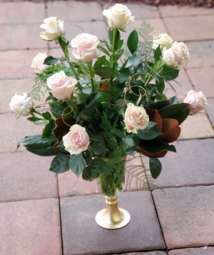 Pink Champagne Roses Vase Arrangement in Bluffton, SC | BERKELEY FLOWERS & GIFTS