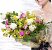 Pink & Cream Presentation Bouquet