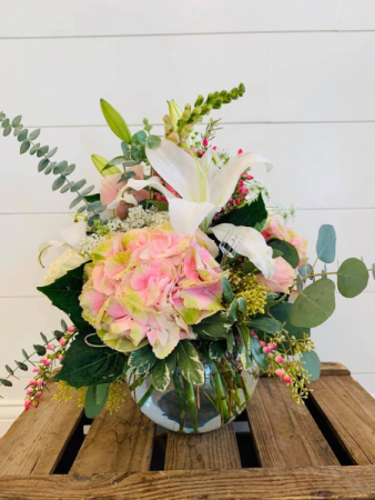 Pink Hydrangea mix  Floral Arrangement