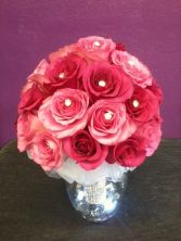 Pink mixed roses bouquet