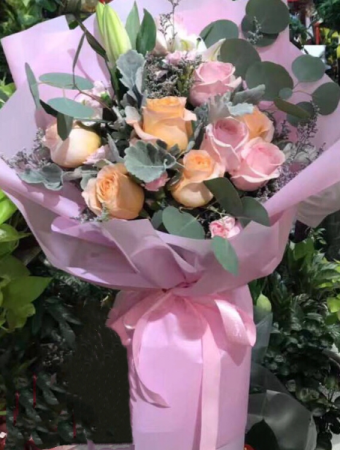 Pink & peach flowers bouquet