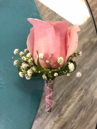 Pink Perfection  Boutonnière