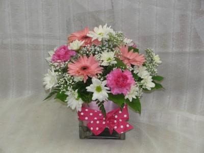 Pink Polka Dot Bouquet table arrangement