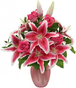 Pink-Roses-And-Stargazers